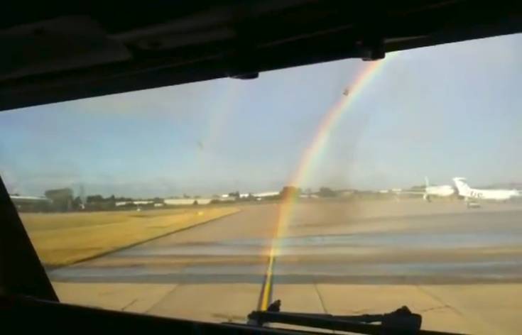 Retiring B737 Receives a Rainbow Water Salute